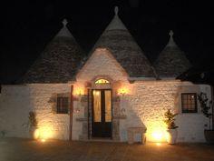 Casa monísima en Alberobello, sur de #Italia, cerca de #Bari (costa Adriática). Un lugar con encanto y piscina para unas vacaciones románticas en  Italia