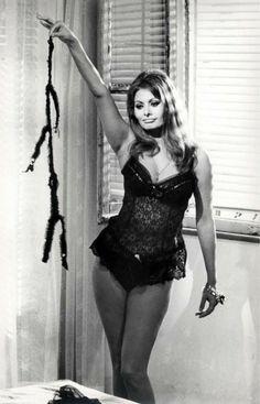 Sophia Loren See Through - Bing Loren Sofia, Sophia Loren, Star Wars, Beauty Pageant, Brigitte Bardot, Vintage Lingerie, Pin Up Girls, Sexy Dresses, Vintage Ladies
