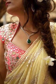 Perfect look I must say 'yellow mirror work saree, pastel blouse, necklace and hair' Sari Blouse Designs, Saree Blouse Patterns, Dress Designs, Moda India, Mirror Work Blouse Design, Mirror Work Saree, Gala Design, Indian Blouse, Indian Wear