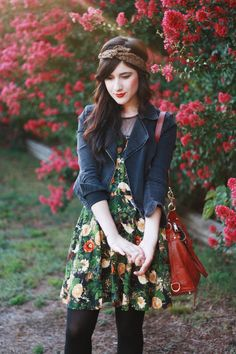 #alishopspinfest    Such a great transition to fall! Summer dress + leggings+ blazer = delicious