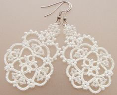 white earrings #chiacchierino #tatting #frivolite