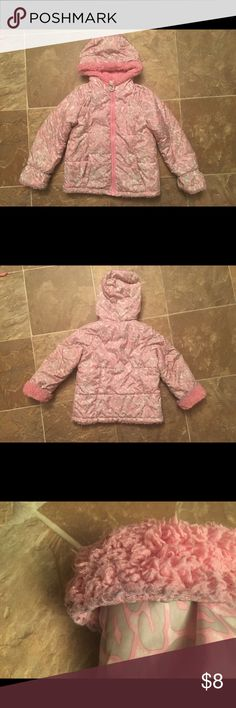 Zeroxposur leopard print girls 4t winter jacket Still in good condition no holes! There discoloration in the sleeves on the fur shown in the picture! Smoke free home! ZeroXposur Jackets & Coats Puffers