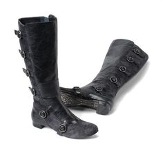 a modern day military boot.  The Born Hera on Shoeline.com #boots #military