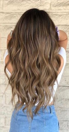Medium Brown Hair With Highlights, Brown Hair With Lowlights, Brown Hair Balayage, Brown Blonde Hair, Brown Hair On Asian, Brown Hair Medium Length, Brown Ombre Hair Medium, Natural Hair Color Brown, Light Brunette Hair