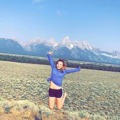 blah blah blah cute caption about a mountain bc I can't think of one ; Katie Donnelly, Popular Youtubers, Cute Captions, Teton Mountains, Aaliyah, Baddies, Gymnastics, Photo Shoot, Wanderlust