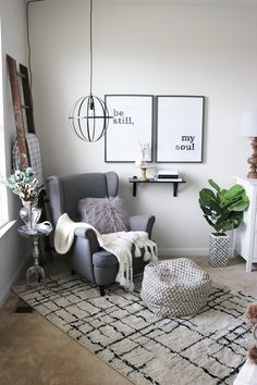25 Cozy Bedroom Decor Ideas that Add Style & Flair to Your Home - The Trending House Bedroom Reading Nooks, Bedroom With Sitting Area, Bedroom Nook, Bedroom Corner, Bedroom Chair, Bedroom Decor, Bedroom Ideas, Seating In Bedroom, Design Bedroom