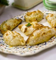 Biscotti, Chicken, Cooking, Sweet, Food, Drinks, Travel, Halogen Oven Recipes, Empanadas Recipe