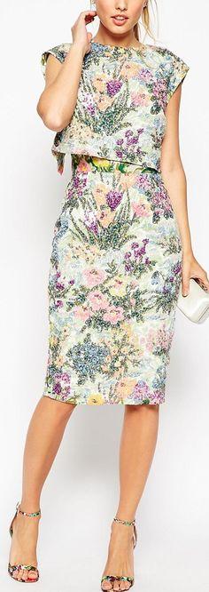 floral crop top dress - love the shape Trendy Dresses, Casual Dresses, Short Dresses, Fashion Dresses, Casual Outfits, Crop Top Dress, Dress Skirt, Dress Up, Formal Crop Top