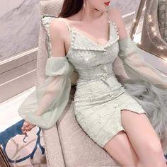 Korean Fashion Dress, Ulzzang Fashion, Kpop Fashion Outfits, Girls Fashion Clothes, Korean Outfits, Mode Outfits, Cute Fashion, Girl Outfits, Vintage Fashion