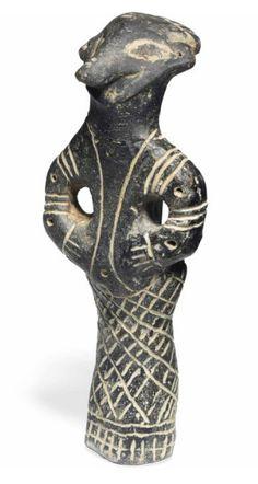 Déesse «oiseau debout» Terre cuite. Culture Vinca - néolithique. -5000 avant J.C.