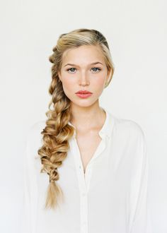 Romantic French Side Braid: Boho chic brides will absolutely love this style., # Braids boho romantic Romantic French Side Braid: Boho chic brides will absolutely love this style. Side Braid Hairstyles, Braided Hairstyles Tutorials, Wedding Hairstyles For Long Hair, Diy Hairstyles, Pretty Hairstyles, Hair Tutorials, Bridesmaid Hairstyles, Updo Side, Side Plait