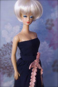 Vintage Barbie - Fashion Queen Reproduction Barbie