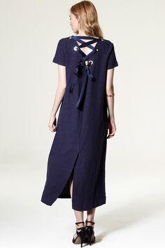 Elizabeth Back Ribbon Maxi Dress Discover the latest fashion trends online at storets.com