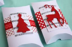 Try these creative ideas for packing and presenting holiday gifts and Christmas Gift Ideas a seasonal makeover of a plain pillow box as a Single Mold Christmas Favors, Christmas Paper, Christmas Wrapping, Handmade Christmas, Christmas Cards, Christmas Lunch, Christmas Packages, Christmas Pillow, Paper Gifts
