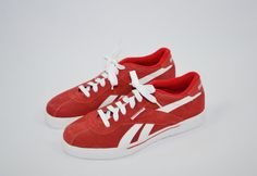 """ON SALE $88.65 """" Click Here to Purchase Today"""" Vintage 90s Reebok Sneakers Reebok Leather Tennis Shoes Reebok Classic Shoes Red and White Sneakers Urban Streetware Hip Hop Shoes Size 10 by founditinatlanta on Etsy"""