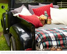 57 Super Ideas For Pickup Truck Picnic Themed Parties Truck Bed Date, Truck Flatbeds, Pickup Trucks, Fall Picnic, Backyard Picnic, Beach Picnic, Lifted Trucks Quotes, Picnic Themed Parties, Truck Bed Camping
