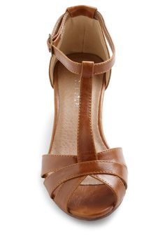 Go About Your Afternoon Heel in Chestnut size 6