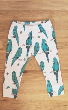 Hey, I found this really awesome Etsy listing at https://www.etsy.com/listing/206468180/organic-baby-leggings-in-parrots-baby