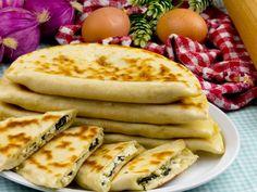 Turkish Recipes, Ethnic Recipes, Pita Bread, Food Categories, Deserts, Food And Drink, Mom, Postres, Dessert