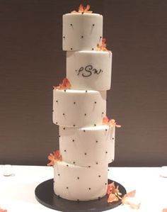 unevenly stacked cake - different how I want my cake!!