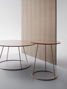 Breeze Tables | Monica Forster | Est Magazine | Mesinha de canto | Mesa de canto |Mesa redonda | Table