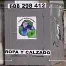 """El lucrativo negocio de la ropa usada ¿dónde va la ropa que se deja en los contenedores """"solidarios""""?"""