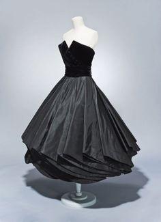 "Christian Dior, Cocktail dress with cummerbund and petticoat, ""Girouette"", Fall-Winter 1948. Paris. Via FAMSF"