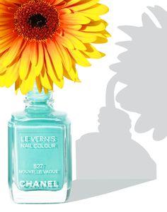 www.dennispedersen.com Product Photographer - Dennis Pedersen #Stilllife #Product #Photographer #Commercial #Advertising #Editorial #Creative #Beauty #Cosmetics #Makeup #varnish  #Polish  #nail #flower #sunshine #shadow #sunflower #vase #chanel