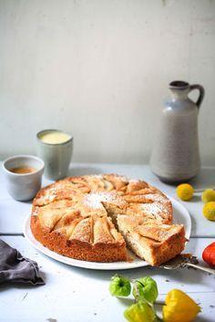 Ein Zimtbirnen Haselnuss Birnenkuchen Backrezept mit Vanillesauce und Herrn von…