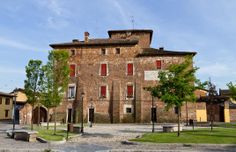 5 visitors have checked in at Alagna. Palaces, Terra, Florence, Mansions, House Styles, Home Decor, Tourism, Italy, Chateaus