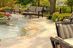Tulsa Pool Builders Describe the Latest in Cool Pool Features