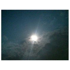 Did you know its #supermoon #tonight ? #cloudy #moon #night #sky #clouds #philippines #スーパームーン #月 #空 #雲 #フィリピン