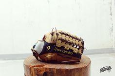 Gloveworks X @spacecowboy_9 Happy Birthday! #Gloveworks #glovefactory #BringItHome  #baseball #beisbol #mlb #custom #gocustom #custommitt #customglove #baseballswag #baseballweekend #travelball #baseballteam #collegebaseball #birthday #birthdaygift