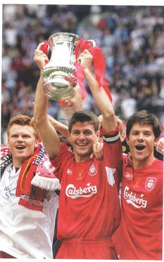 Riise, Gerrard and alonso Liverpool Legends, Liverpool Players, Liverpool Fans, Liverpool Football Club, Football Fans, Football Players, Steven Gerrard Liverpool, Soccer Stats, France Football