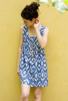 i LOVE ikat. why don't i wear ikat? Black Prom Dresses, Cute Dresses, Casual Dresses, Fashion Dresses, Summer Dresses, Couture, Ikkat Dresses, Chambray Dress, Kurta Designs