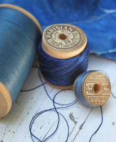 I love the blues in these old spools of thread. And, I am loving this book!the photography!those indigo bl. Azul Indigo, Indigo Blue, Cobalt Blue, Aqua, Navy Blue, Azul Anil, My Favorite Color, My Favorite Things, Color Celeste