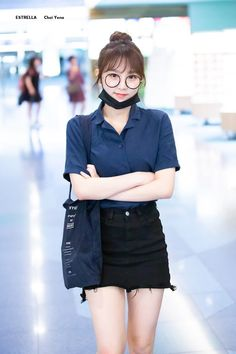 K-Pop Babe Pics – Photos of every single female singer in Korean Pop Music (K-Pop) Fashion Tag, Daily Fashion, Girl Fashion, Fashion Outfits, Yuri, Little Girl Models, Japanese Girl Group, Famous Girls, Airport Style