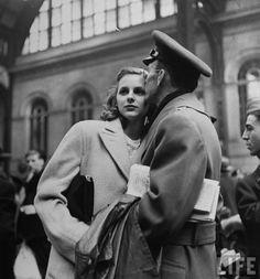 Alfred Eisenstaedt - New York's Penn Station in 1944