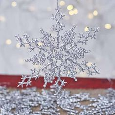 Silver Glittered Snowflake Ornaments - Snow - Snowflakes - Glitter - Christmas and Winter - Holiday Crafts Christmas Craft Projects, Holiday Crafts, Christmas Ideas, Pink Christmas, Country Christmas, Christmas Greetings, Christmas 2019, Winter Christmas, Holiday Ideas