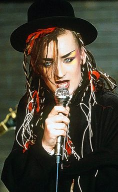 Boy George - Gay - English singer-songwriter and lead singer of the band Culture Club Boy George, Edward Furlong, Kirk Cameron, It Icons, Musica Pop, The Wedding Singer, We Will Rock You, New Romantics, Culture Club