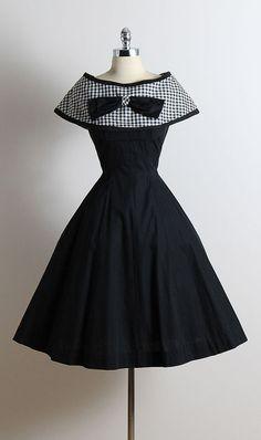 ➳ vintage 1950s dress * black cotton * detachable gingham print cape * bow accent * full skirt * metal back zipper condition | excellent