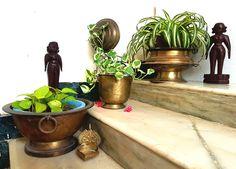 Home Decorators Hazelwood Mo Refferal: 9350559141 Ethnic Home Decor, Indian Home Decor, Traditional Interior, Traditional House, Indian Room, Indian Interiors, Indian Homes, Pooja Rooms, Antique Decor