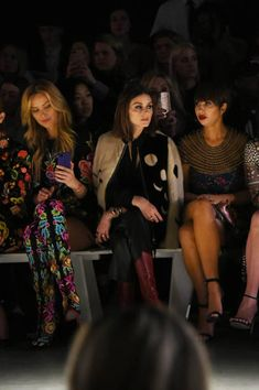 8a640e42 26 Best cat-side images | Front row, Fashion show, Ready to wear