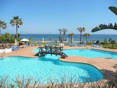 Apartment for sale-Puerto Banús within a front line beach urbanization. http://goulbournmarbella.com/details/?ref=R2141921&status=sale&utm_content=bufferbec24&utm_medium=social&utm_source=pinterest.com&utm_campaign=buffer #puertobanus #Marbs #propertyforsale #luxury