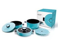 The Vacimi collection includes a multi-pan, a 2-handled pot, stew, steamer and 2 lids for a total of 6 pieces.  Designer: Vacimi   Read more at http://www.yankodesign.com/2014/10/14/compact-cookware/#GVDPshDaj9ZOkuCf.99
