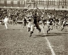 Американский футбол. Матч студенческой лиги в Вашингтоне, 3 ноября 1923 года.