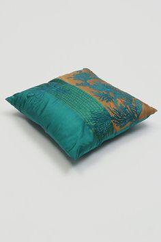 Восточная коллекция текстиля: подушки, шторы, покрывала, постельное и столовое белье - шик и роскошь от БРАММА.