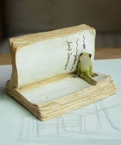 Take a look at this Frog on Book Décor today!
