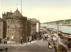 1890-1900 - Reginald Tower and Quay, Waterford. County Waterford, Ireland