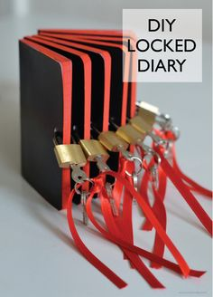 willowday: DIY: Diary with lock/ spy party Geheimagenten Party, Party Favors, Ideas Party, Escape Room Diy, Diy Lock, Diary With Lock, Detective Party, Detective Crafts, Spy Birthday Parties